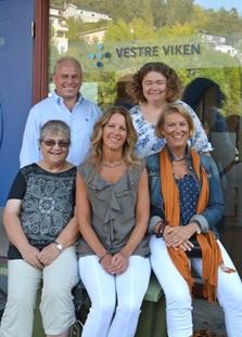 Her er noen av forfatterne samlet: Bak fra venstre Sven Liang Jensen, Solveig Helene Høymork Kjus. Foran fra venstre Inger-Lill Portaasen, Irene Norheim og Nina Helen Mjøsund.