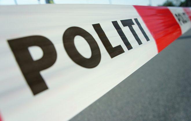 Nærbilde av politiets sperrebånd. Foto.