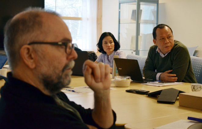 Fire forskere rundt et bord. foto: Andrea Hegdahl Tiltnes