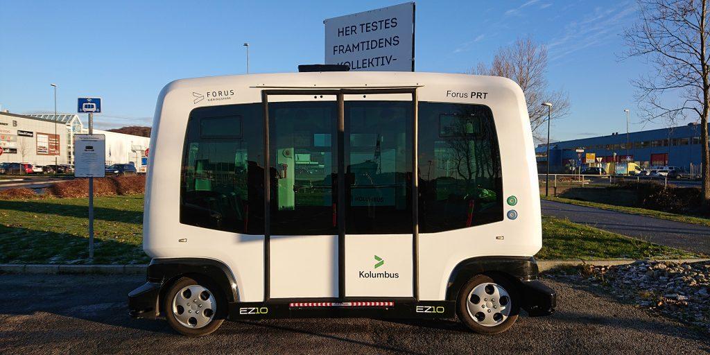 Liten førerløs buss