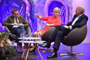 Finansministeren i debatt