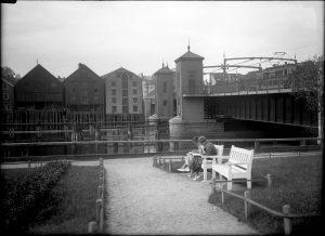 Ved Bakke bru 1936. Foto: NTNU UB / Røske og Røstad