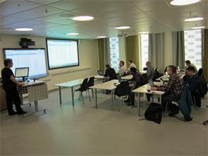 Oversiktsbilde av deltakere på kurs ved Bibliotek for medisin og helse