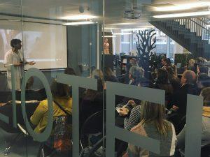 Bilde av publikum på Fagsnakk om besettelser.