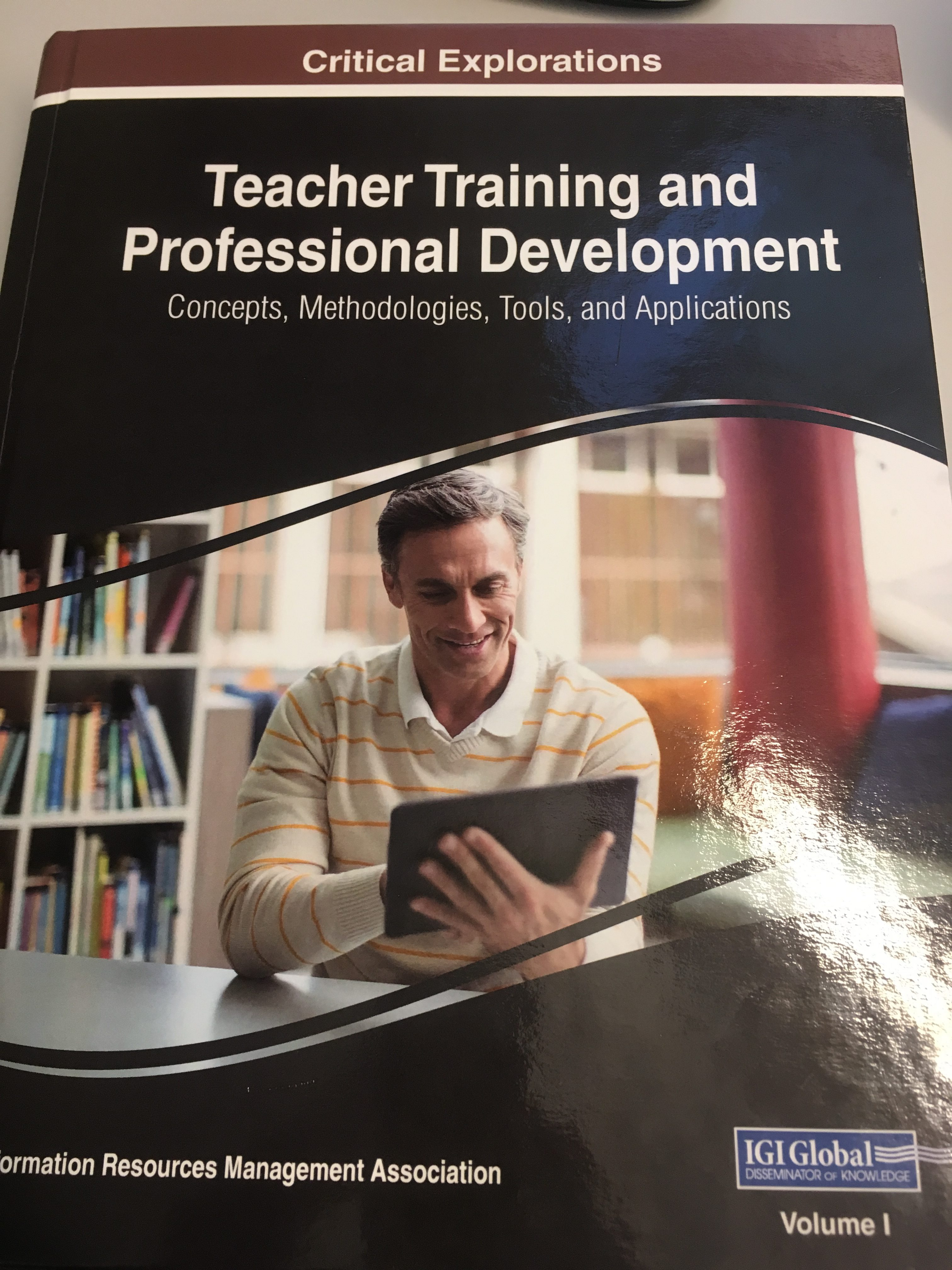 Teacher training and professional development: concepts, methodologies, tools, and applications