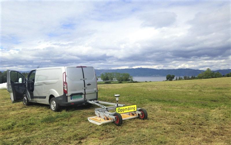 GPR Survey. Viking site at Frostating (Norway). Photo: Arne Anderson Stamnes / NTNU Vitenskapsmuseet