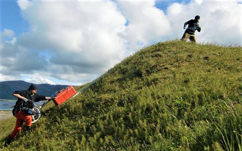 GPR survey. Viking Age burial mound at Herlaugshaugen Leka (Norway). Photo: Robert Fry