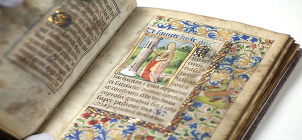 Bilde av gammel bok