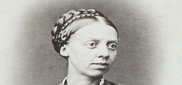 Bilde av en ung kvinne