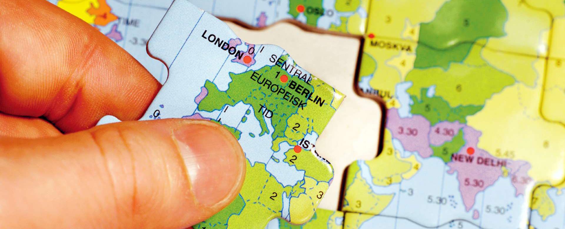 Puslespill av verdenskartet