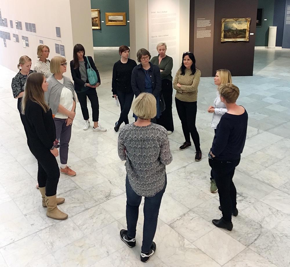 Nettverksmedlemmer på kunstutstilling i Stavanger kunstmuseum