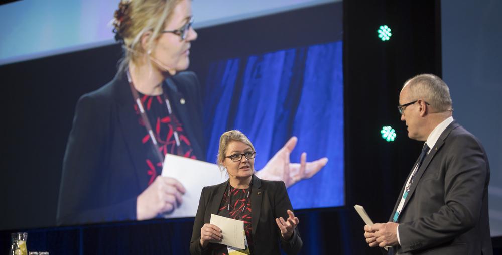 Porektor for nyskaping Toril A. Nagelhus Hernes og rektor Gunnar Bovim på Technoport 2018. Foto: Thor Nielsen/NTNU