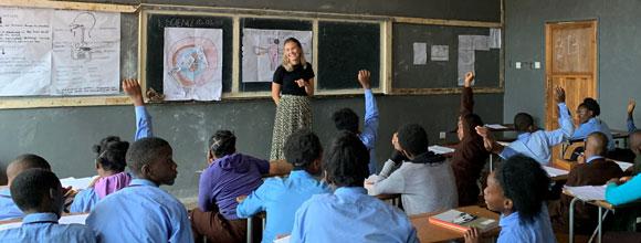 Elever i klasserom i Mongu, Zambia. foto
