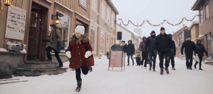 Musikkvideo Walking in the air laget av Kristoffer Lo og NTNU Jazzensemble.