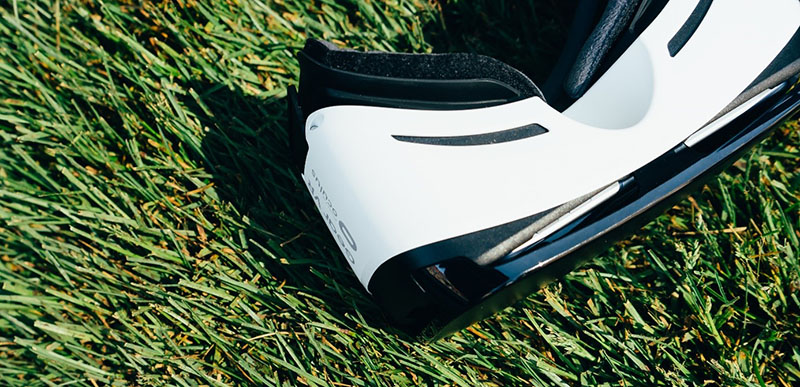 Picture of VR brills on gras. Photo.