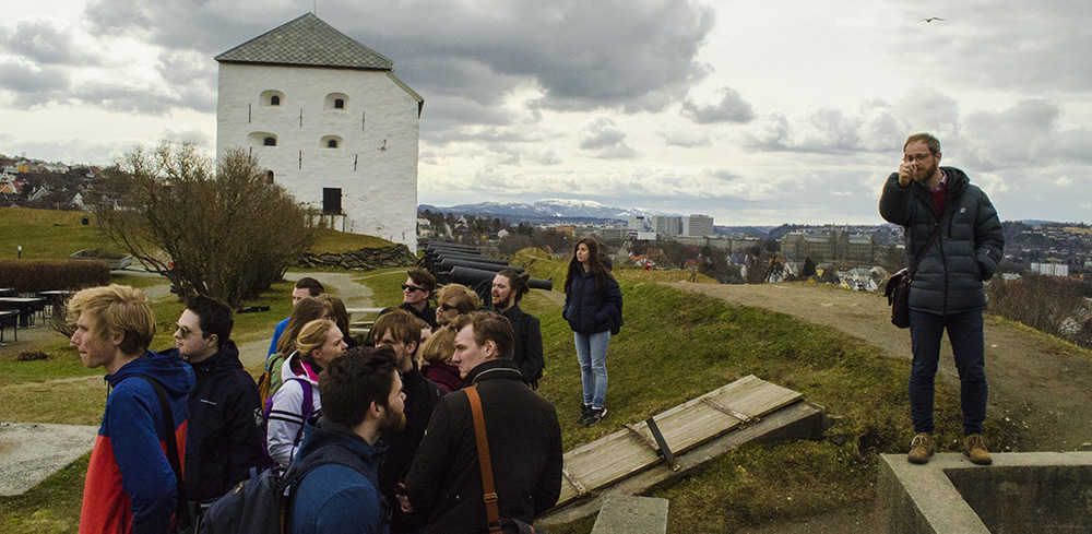 Outdoor lecture at the Kristiansten fortress in Trondheim
