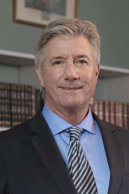 Professor emeritus James E. Young, dr.h.c.